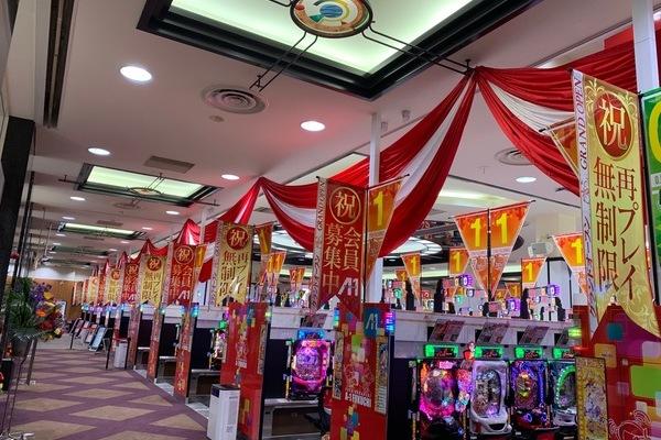 田川郡福智町のパチンコ店の壁面緑化、店内装飾のサムネイル